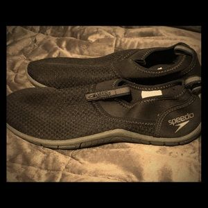 Speedo water shoes